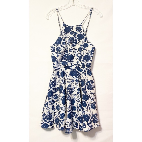 Lulu's Dresses & Skirts - Lulu's Extra Small Blue & White Dress Adjustable